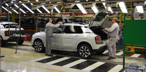España pierde con Brasil el octavo puesto como productor mundial por 60.244 vehículos