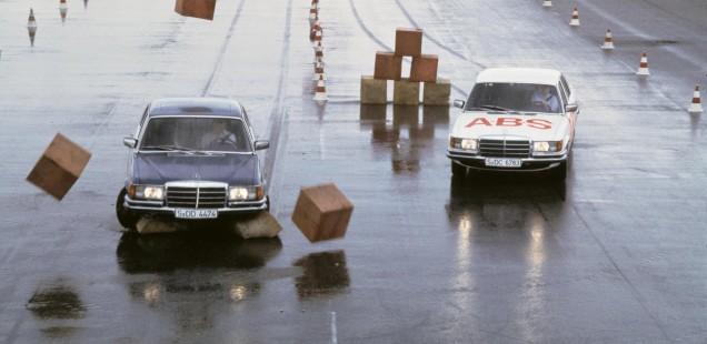 DEL SALÓN A AUTOMOBILE, UN SIGLO DE INNOVACIONES