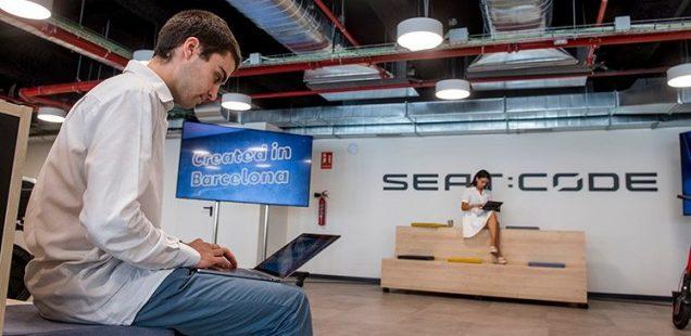 """SEAT:CODE estrena sede y celebra su primer año como """"digital machine"""" de SEAT"""