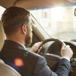 El perfil de cliente del vehículo eléctrico: conductor de edad media, con renta alta y ubicado en las grandes urbes